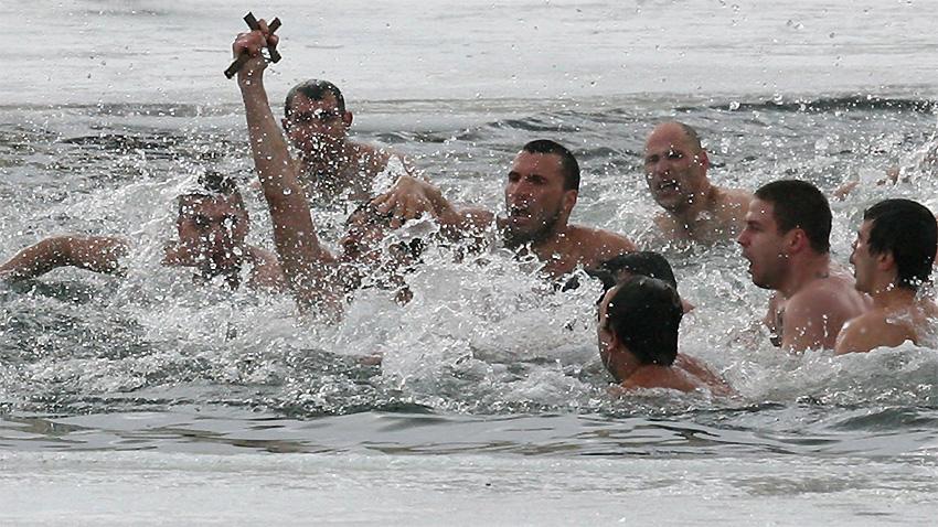 6 януари България