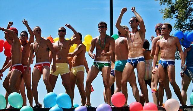 Хомофобите – два път по-неграмотни от толерантните към хомосексуалността
