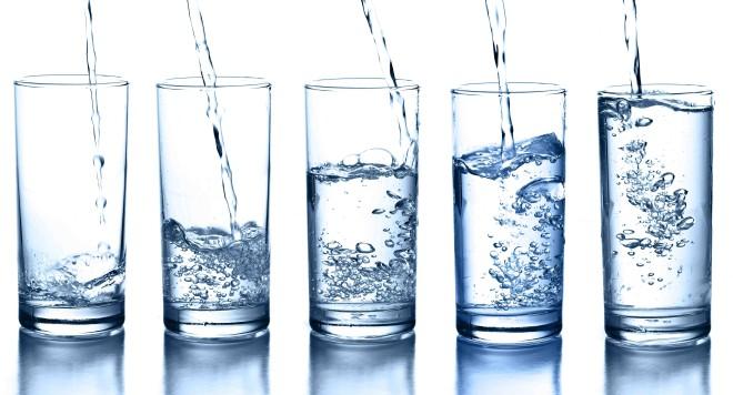 Идем дома, пием вода