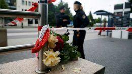 Девет убити при нападение в Мюнхен
