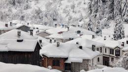 Борисов, страхът и снегът в България
