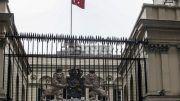 За известно време днес от холандското консулство в Истанбул се вееше турският флаг