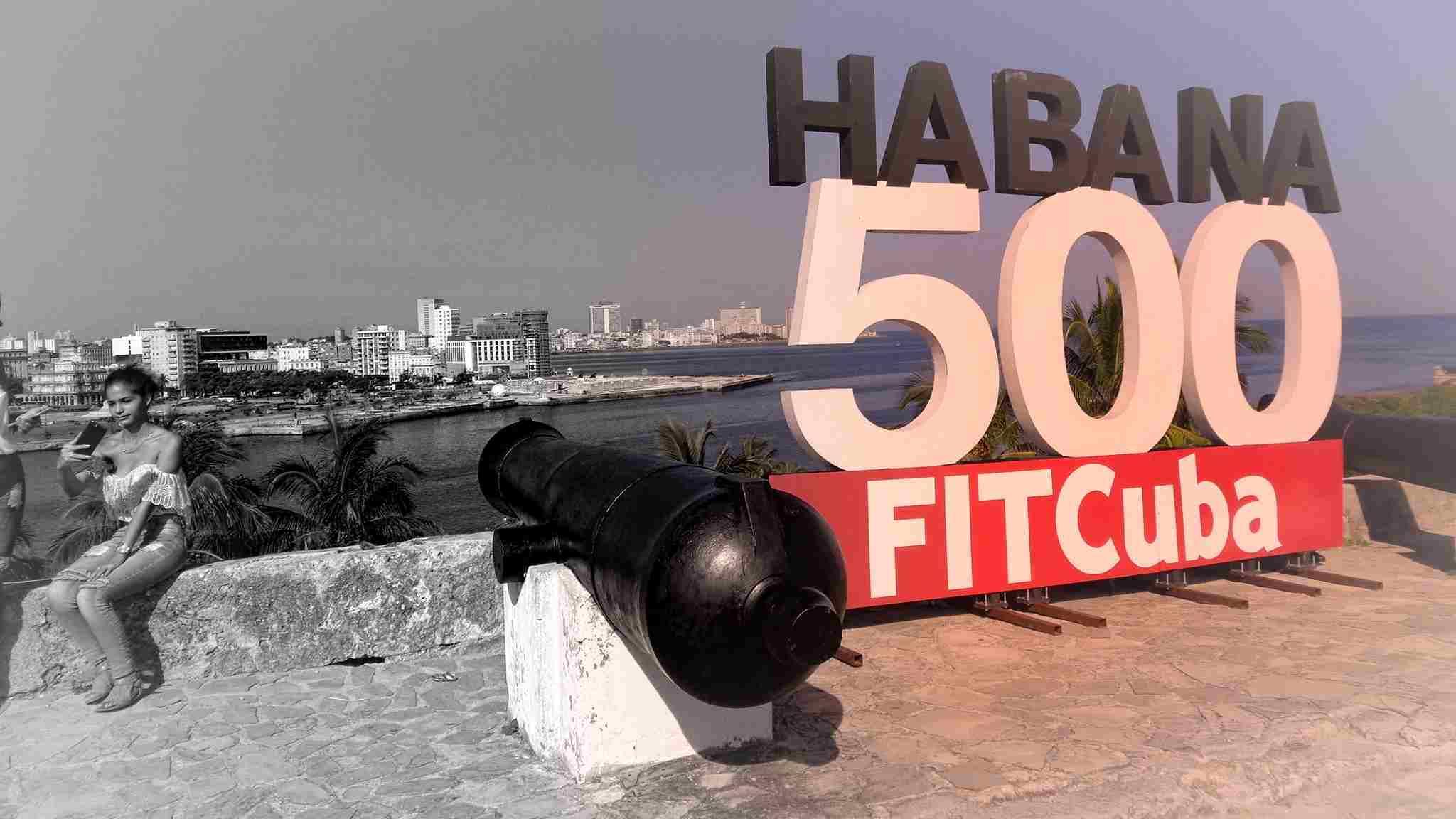 Aрмия от бели престилки Куба