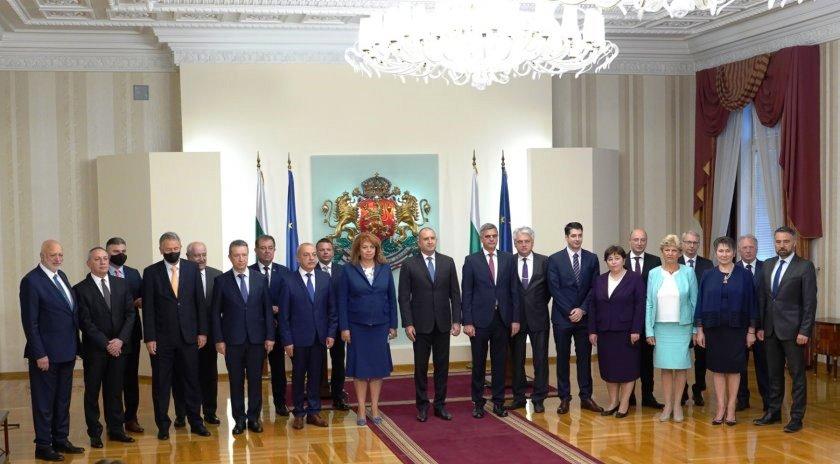 Президентът обяви състава на новия служебен кабинет